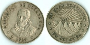 1 кордоба 1912 года с портретом Франциско Эрнандеса-де-Кордоба на аверсе (25 г 800-пробного серебра)