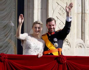 Luxembourg's Prince Guillaume and Countess Stephanie wave from the balcony of the Royal Palace after their wedding in Luxembourg, Saturday, Oct. 20, 2012.